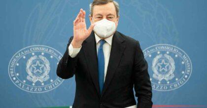 """Vaccini, Draghi: """"Liberi di fare la seconda dose AstraZeneca. Io farò eterologa martedì"""""""