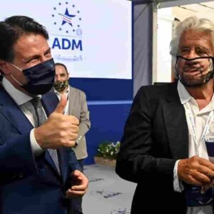 Beppe Grillo bimbo: Re Conte è nudo! E il Pd resta in mutande