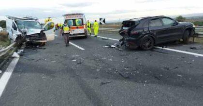 Incidente sulla Catania-Gela: frontale auto contro furgone, Mirko Di Dio muore a 30 anni