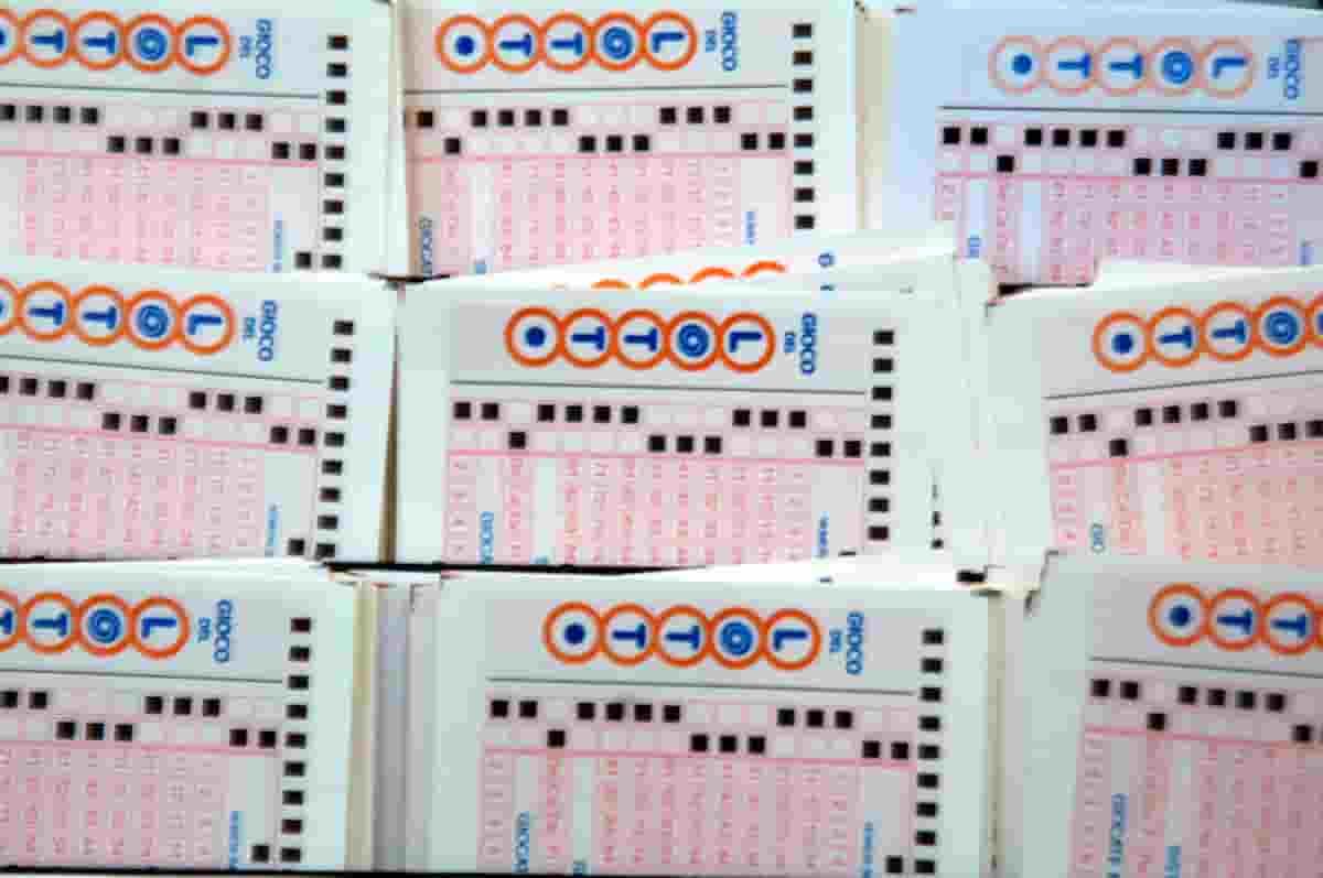 Lotto e Simbolotto, estrazione oggi martedì 22 giugno 2021: numeri e simboli vincenti di oggi
