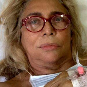 Mara Venier, volto paralizzato dopo un intervento dal dentista: il messaggio su Instagram