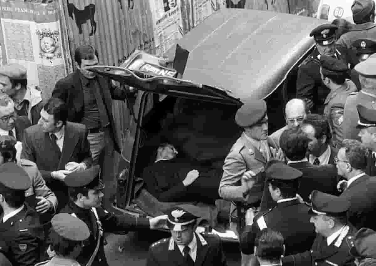 """Aldo Moro, il figlio Giovanni contro Cossiga: """"In qualsiasi paese, sarebbe finito a coltivare rose"""""""