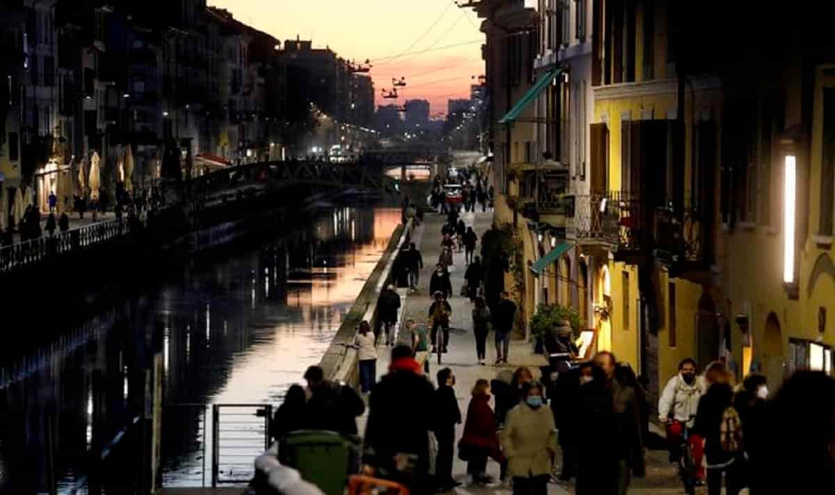 Zona bianca in mezza Italia: da lunedì Lombardia, Lazio, Piemonte, Emilia Romagna, Puglia