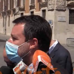 """Salvini, dalle mascherine alle discoteche: """"Liberiamo gli italiani dal bavaglio. Lo stato d'emergenza? Nei fatti non c'è"""" VIDEO"""