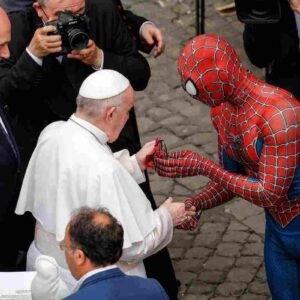 spiderman vestito così