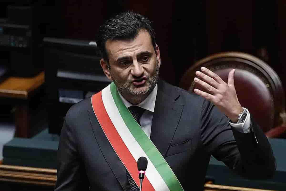 Decaro e Zaia il sindaco e il governatore più amati d'Italia: la classifica del Sole 24 Ore