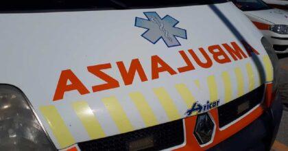 Ardara (Sassari), perde il controllo dell'auto e si ribalta: morto 49enne