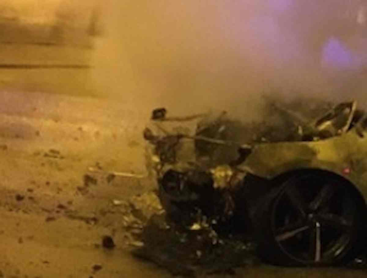 McLaren da oltre 170mila euro in fiamme sul passo del Pordoi, tragedia sfiorata sulle Dolomiti