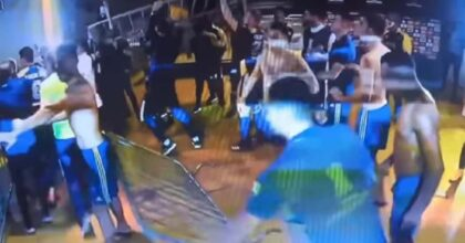 Boca Juniors perde contro Atletico Mineiro e scoppia la rissa: polizia usa spray al peperoncino VIDEO