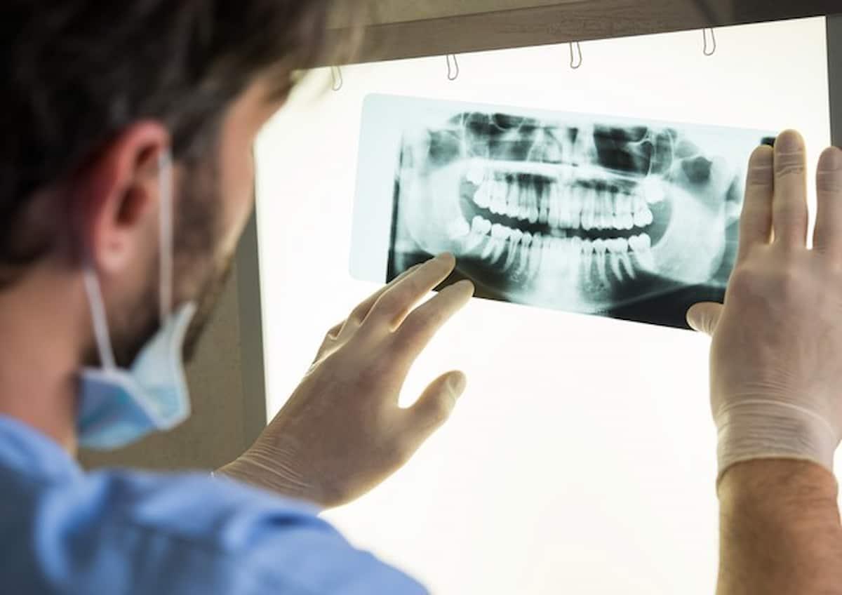 reggio emilia dentista
