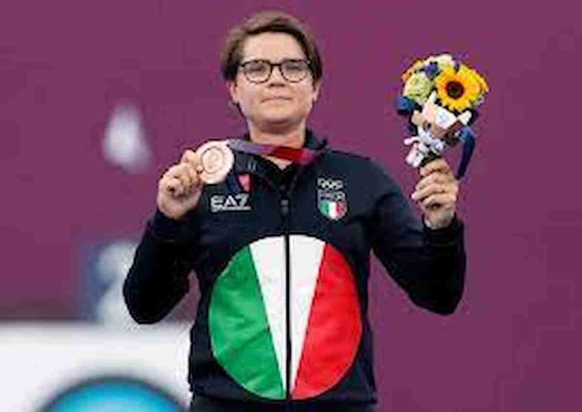 Lucilla Boari, coming out: dedica la medaglia di bronzo alle Olimpiadi di Tokyo alla fidanzata Sanne de Laat