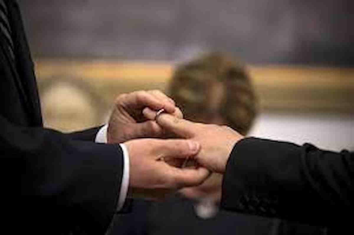 La Chiesa metodista inglese dice sì ai matrimoni tra persone dello stesso genere