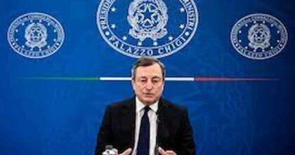 Draghi e il covid, ascolta, prende appunti e infilza Salvini e Conte: Dite pure! e va per la sua strada