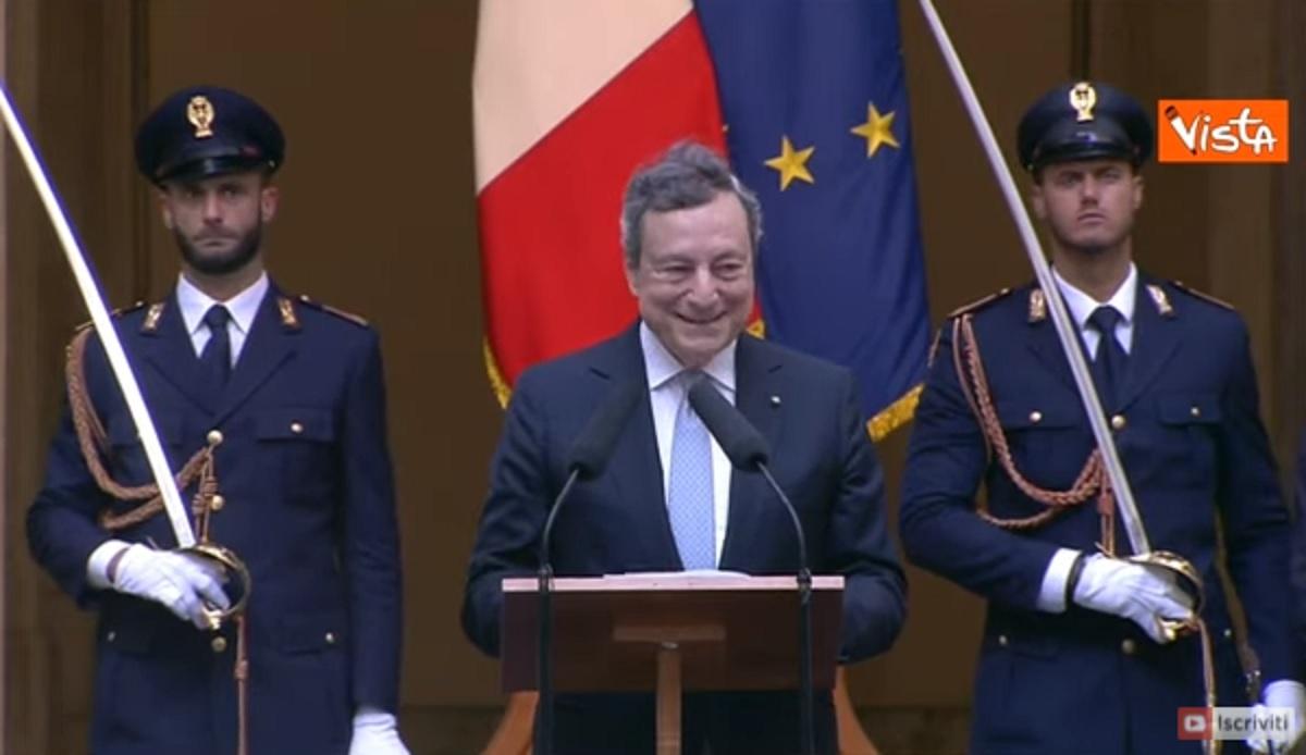 """Draghi scherza con Donnarumma in romano: """"Grazie alle parate di... 'ndo stai?"""". VIDEO"""