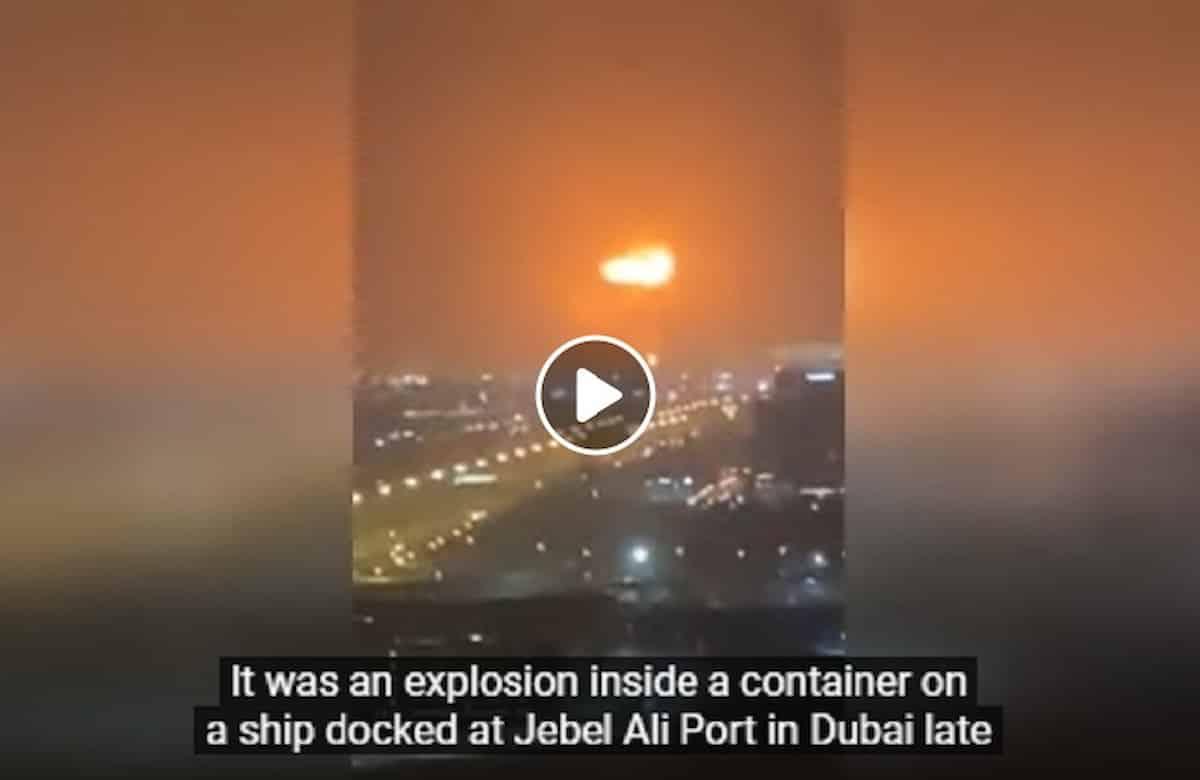 Dubai, esplosione al porto di Jebel Ali: grosso incendio sul container, ma nessun morto