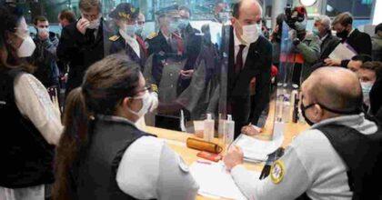 Francia, nuova stretta su turisti e visitatori stranieri: serve un tampone negativo nelle ultime 24 ore