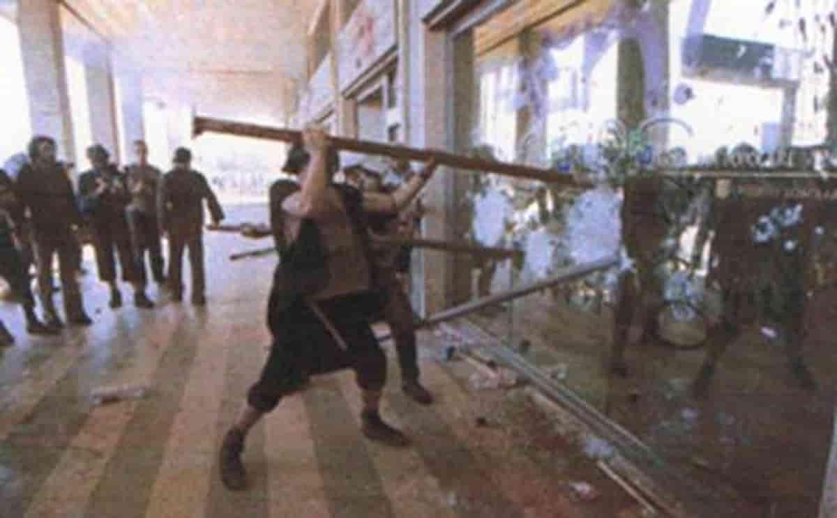 Genova, 20 anni fa il G8 mai dimenticato ma coperto dal complice oblio, testimone di quei giorni invoca giustizia