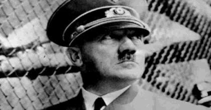 Heal Hitler, il videogioco dove si interpreta lo psicologo del Führer per evitare l'Olocausto