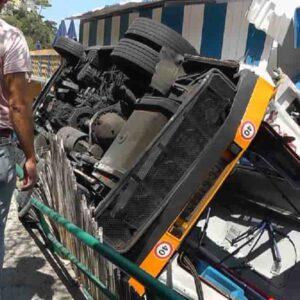 Capri, malore prima dell'incidente: l'autista Melillo ha cercato di accostare il pullman