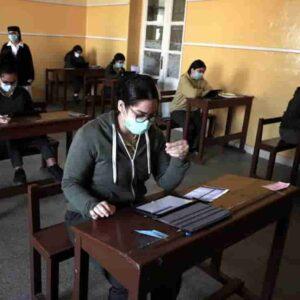 Scuole superiori: 44% insufficiente in italiano, 99,9% promosso alla maturità.