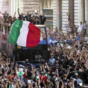 """La Nazionale e la festa sul pullman scoperto, parla Bonucci: """"Le autorità hanno acconsentito"""""""