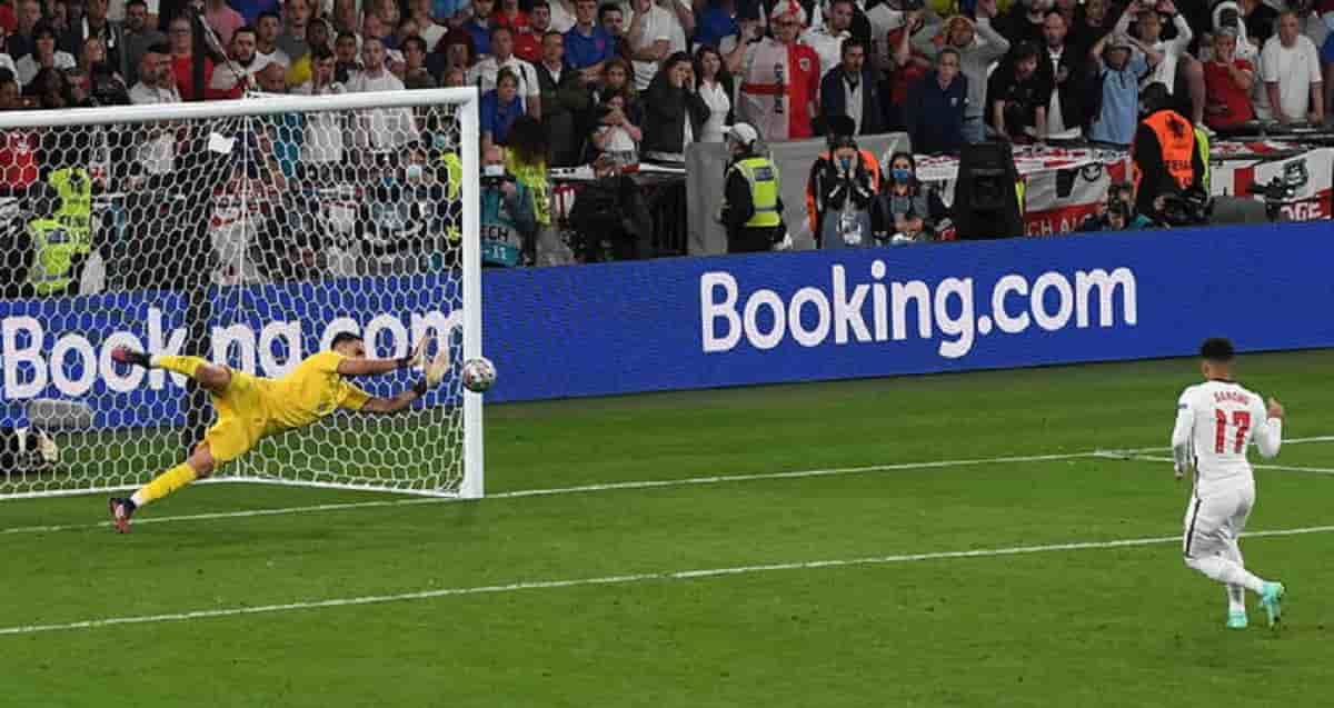 Italia-Inghilterra 4-3 dcr: video gol Shaw e Bonucci, highlights, sequenza rigori