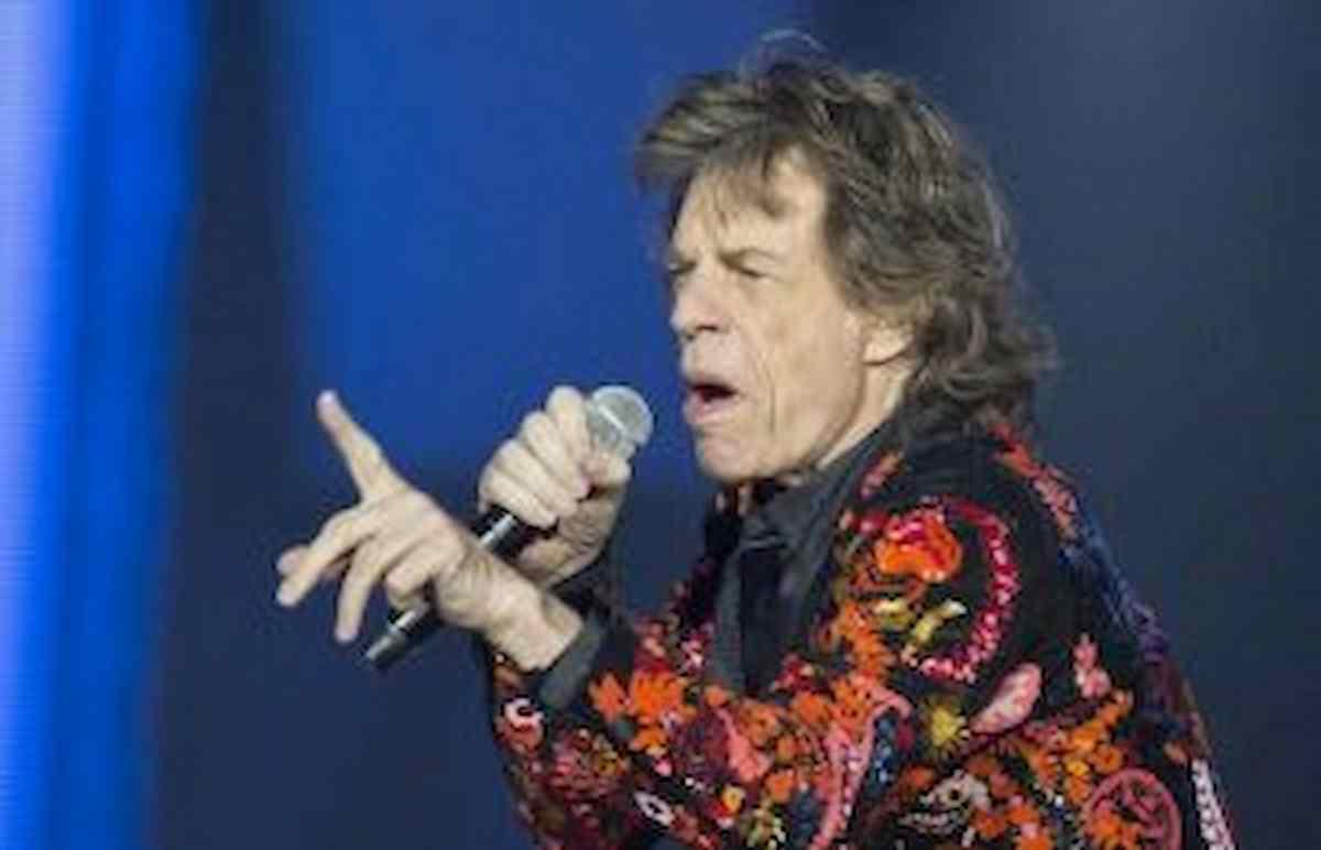 Mick Jagger viola l'autoisolamento a Londra per andare a vedere Inghilterra-Danimarca di Euro 2020, ecco cosa rischia