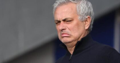 """Mourinho bacchetta i calciatori: """"Passano la notte a giocare a Fortnite. È una stro....a"""""""