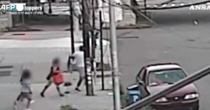 New York: le rapiscono il figlio in pieno giorno, la mamma lo riprende così VIDEO