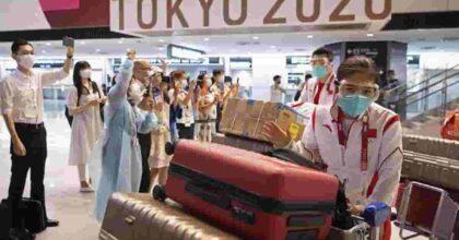 Olimpiadi Tokyo, allarme Covid: positivo un giornalista italiano, aumentano i focolai e le rinunce