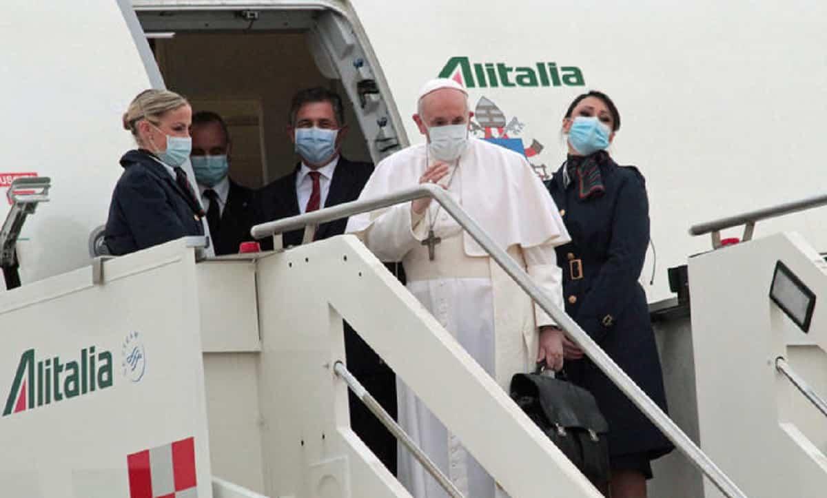 Papa Francesco, ultimo bollettino medico: notte tranquilla, in ospedale per altri 6 giorni