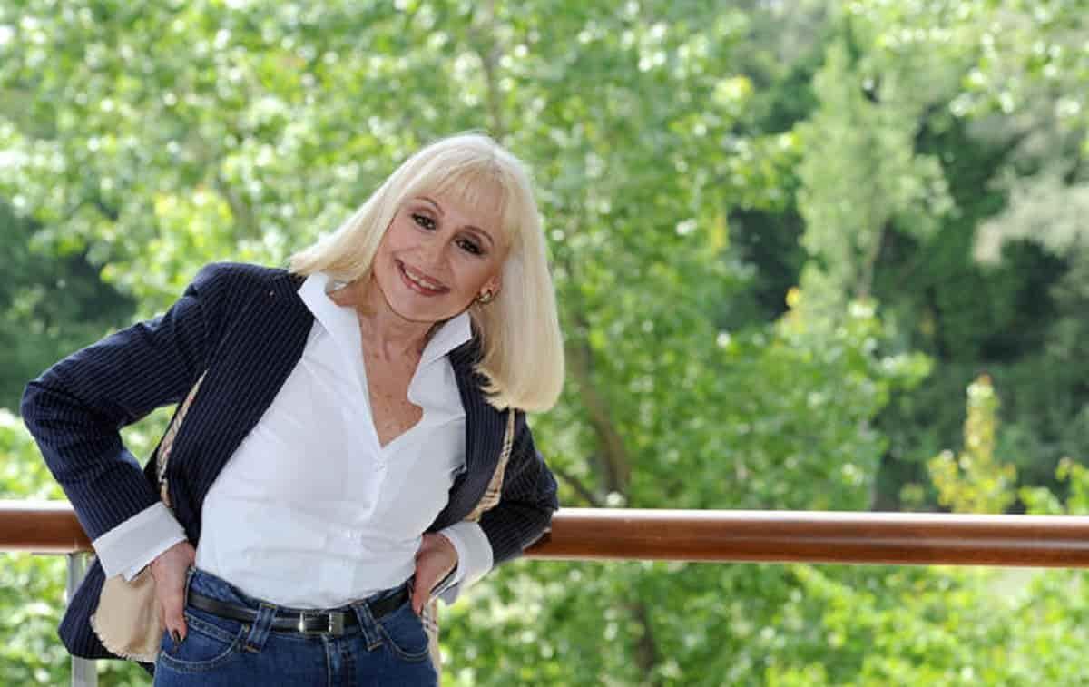Raffaella Carrà: funerale, corteo, camera ardente, data e orario dell'ultimo saluto alla conduttrice tv