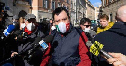 """Salvini vaccino: """"Lo farò ad agosto..."""". Poi dice che con il Covid ci conviveremo per 10 anni"""