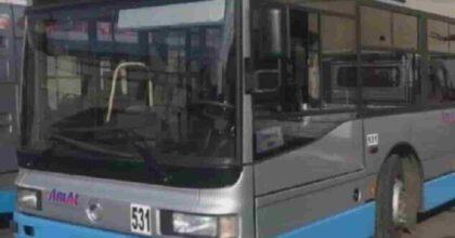 Taranto, ragazza disabile abusata da conducenti: indagati 8 autisti Amat, si appartavano coi bus