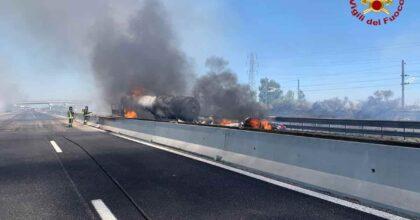 A1 Milano-Napoli, tir in fiamme: chiuso il tratto tra Arezzo e Valdichiana in direzione Roma