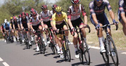 Tour de France, vince lo sloveno Tadej Pogacar: è il secondo consecutivo, a soli 22 anni