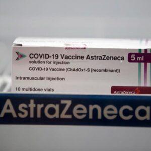 Vaccini, tutti e 4 proteggono dalle varianti dice l'Iss. Pfizer si prepara per la terza dose