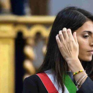 Roma, dimissioni di 4 consiglieri da M5s: Virginia Raggi resta senza maggioranza