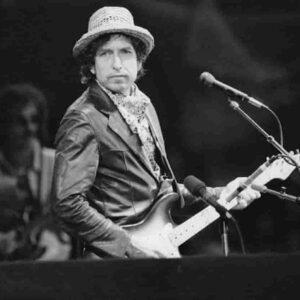Bob Dylan andrà a processo perché accusato di abusi su una dodicenne nel 1965