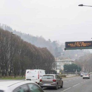 Infarto, se c'è più inquinamento nell'aria aumenta il rischio: lo studio in Lombardia