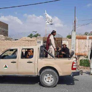 Talebani rapiscono giovani afghani: porteranno le armi e saranno iniziati alla guerra
