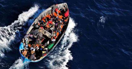 Tunisia, il caos dilaga, non va sottovalutato: è anche affar nostro, rischiamo invasione, 15 mila migranti pronti