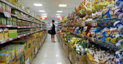 """Allarme dei supermercati in Gran Bretagna: """"Con la Brexit forniture a rischio per Natale"""""""