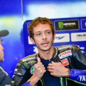 Valentino Rossi si ritira ma...adoro le auto, sono pilota di moto, saltato tutto col principe arabo, per ora