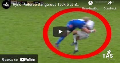 Rugby, il violento placcaggio di Ryno Pieterse: ora rischia 52 settimane di sospensione VIDEO