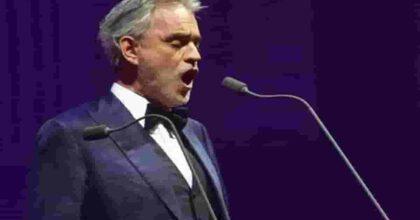 """Andrea Bocelli, come ha perso la vista? Il cantante: """"Sono ipovedente dalla nascita, poi una pallonata..."""""""