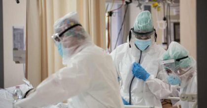 Roma, medico muore dopo un mese in terapia intensiva: il Covid contratto da un paziente positivo