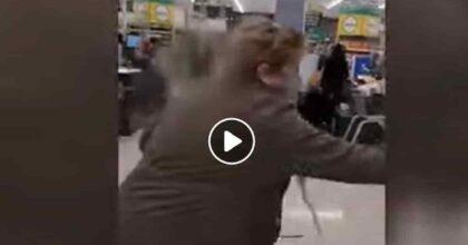 Nuova Zelanda, attentato a Auckland: accoltella sei persone al supermercato, la polizia lo uccide VIDEO