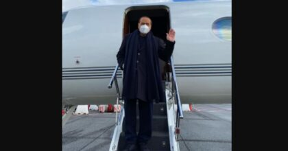Berlusconi sta male e i giudici chiedono perizia medica, lui dice no: Processo vada avanti senza di me