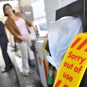 """Regno Unito, i camionisti olandesi snobbano Londra: """"Non vi tireremo fuori dalla m…a"""""""